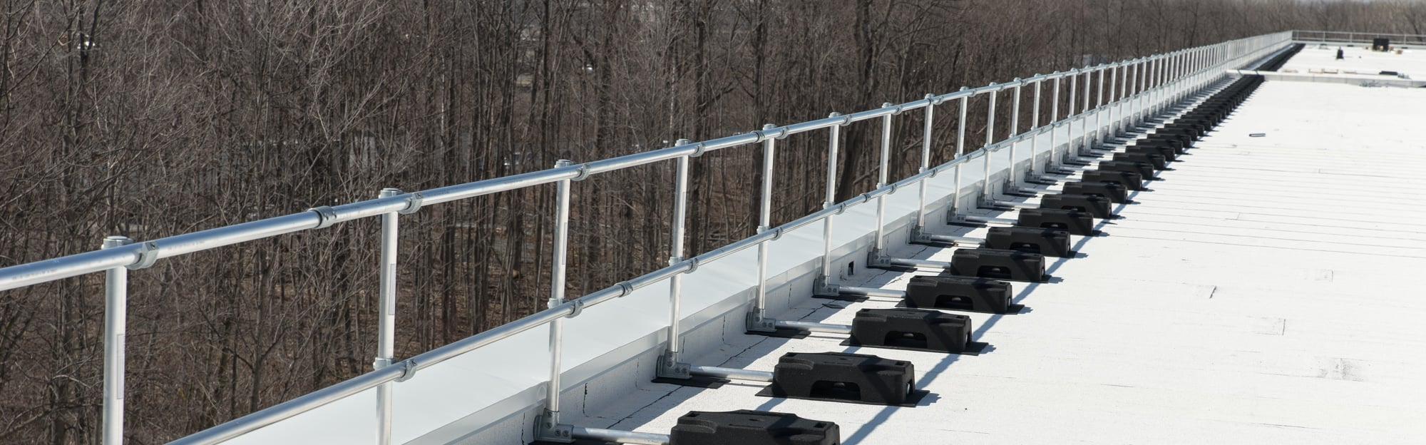 Freestanding guardrail, fall protecton, rooftop protection, roof protection railing